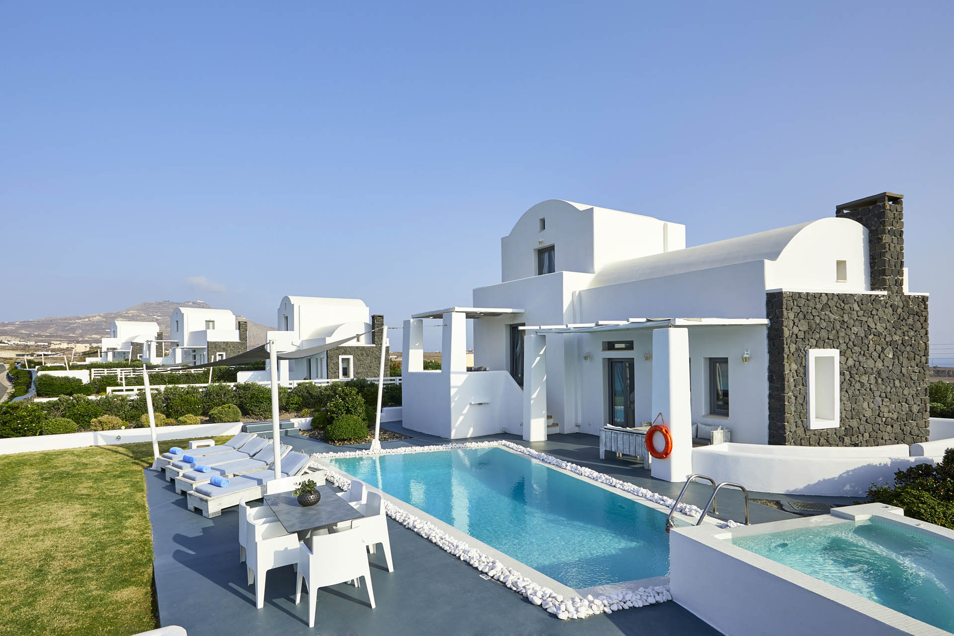 private villas in santorini